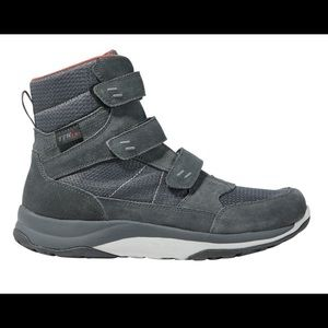 L.L.Bean Men's Snow Sneakers, Mid Hook-and-Loop